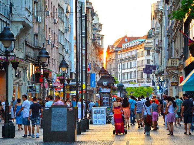 Sırbistan Belgrad Tuna Nehri Gece Manzarası - Gezilecek Yerler