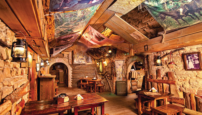 Ukrayna Lviv Kryjivka Cafe Restoran